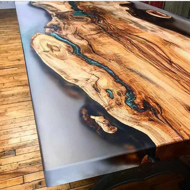 table epoxy résine transparente à Monthey