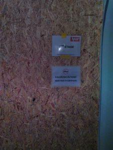 Paroi de protection de porte d'ascenseur à Bex
