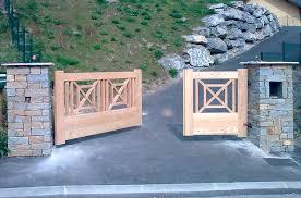 Portail sur mesure en bois sur Montreux