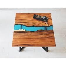 Table base résine epoxy à Grandvaux