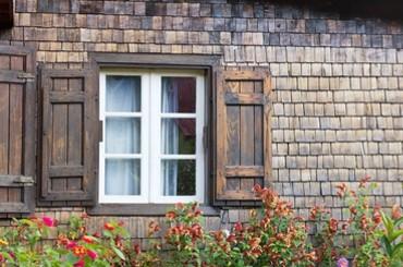 Volets en bois, construction et rénovation à Morges